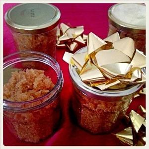 Gommage au sucre roux et miel