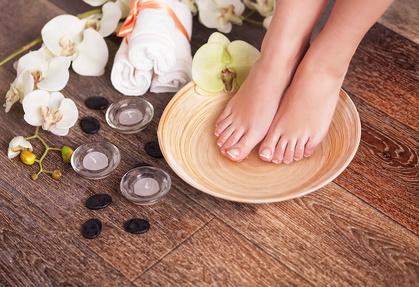 bain de pieds huiles essentielles